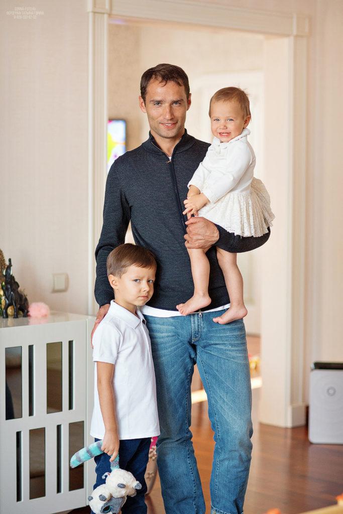Семейная фотосессия дома. Фотограф Татьяна Горина.