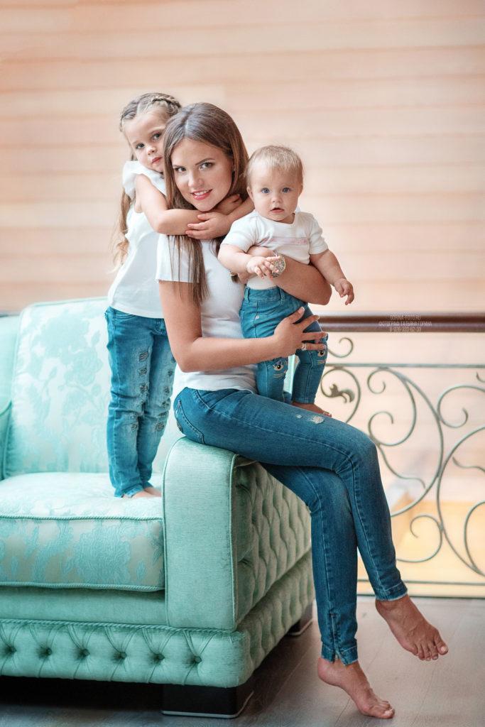 Семейная фотосессия. Мама с детьми. Фотограф Татьяна Горина.